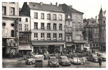 place du marche en 1955 thionville en 1900 thionville macit e. Black Bedroom Furniture Sets. Home Design Ideas